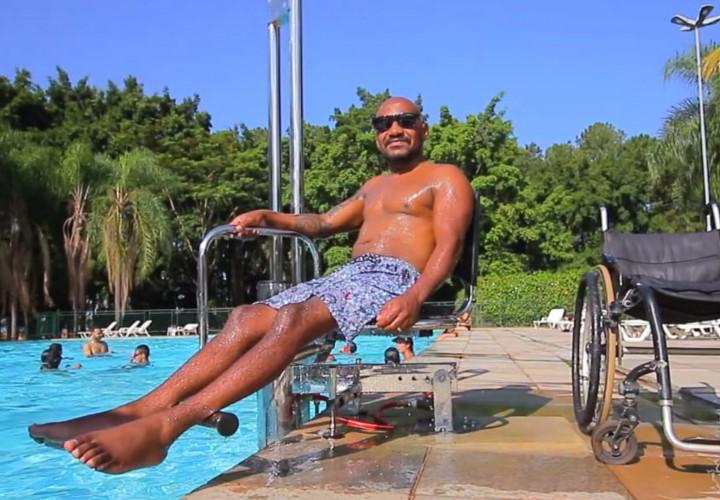 Acessibilidade na piscina: como e porque implantar?